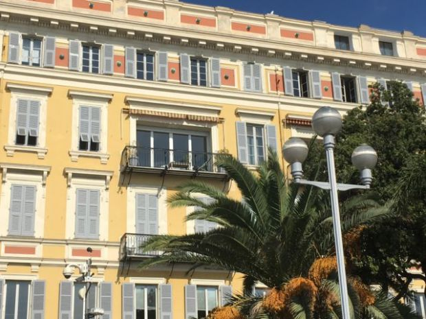 Nice in one day, a Promenade des Anglais hotel