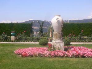 Walking around Cap-Ferrat Villa Rothschild