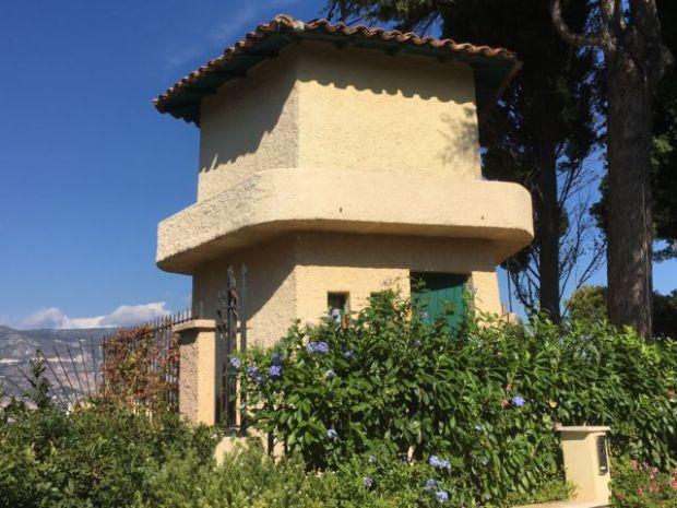 Walk around Cap-Ferrat villa tower