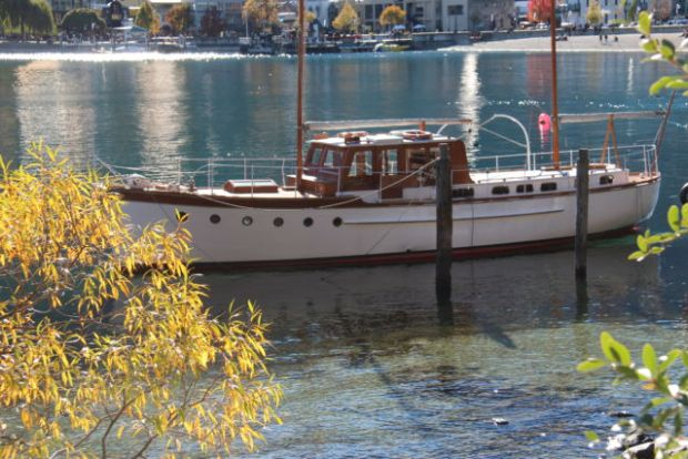 Queenstown sailing boat in harbor