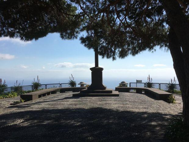Pico dos Barcelos monument