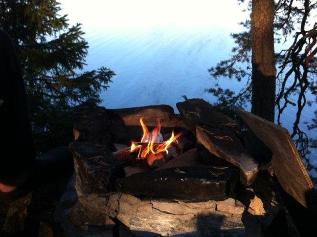 Camp fire by Lake Näsijärvi