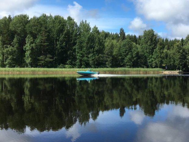 Boating on Lake Näsijärvi