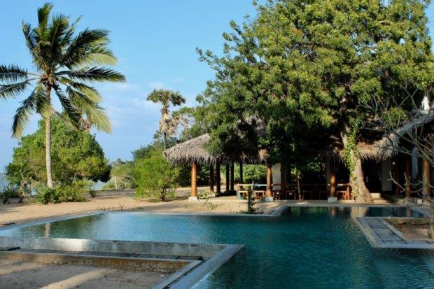 Villa Kalpitiya pool