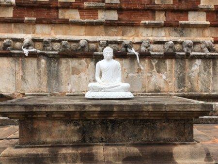 White Buddha, Jetavanarama Dagoba
