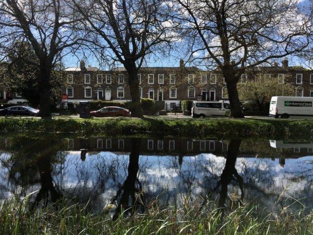 Grand Canal, self-guided Dublin walking tour