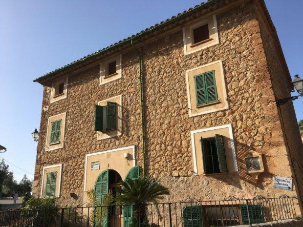 Typical Deia dry-stone building, Serra de Tramuntana