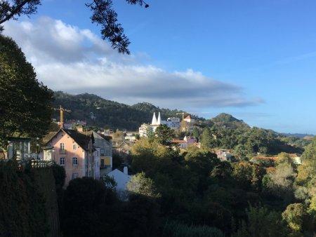 Palaces of Sintra by bus: Palacio Nacional and hills