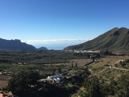 Driving north from Santiago del Teide