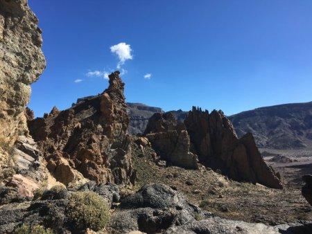 Roques de Garcia trail scenery