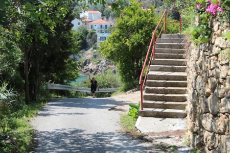Narrow road to Apartments Eneida, Ulcinj