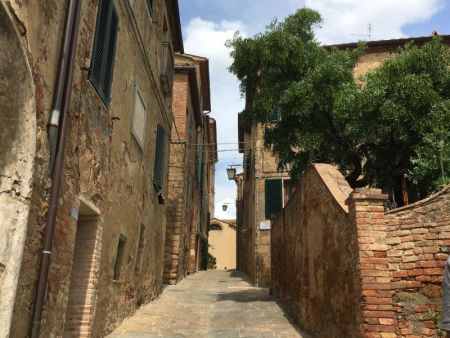 Touring Tuscan hilltop towns