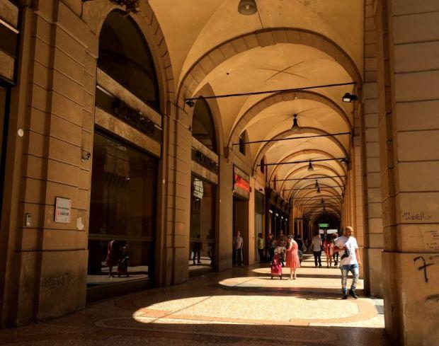 Bologna porticoes, Piazza Maggiore