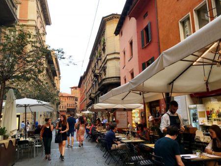 Via Orefici restaurants, Bologna