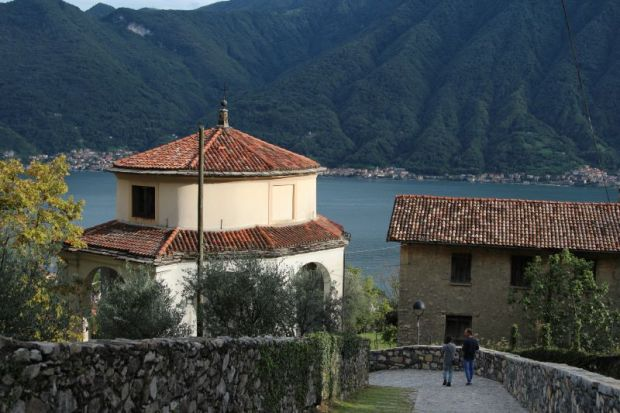 Sacro Monte di Ossuccio chapel and Lake Como