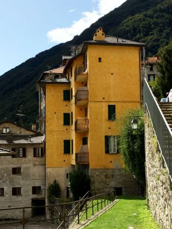 Yellow house in Brienno, Lake Como