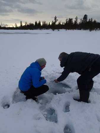Ski tour in Lapland, fishing in Luirojärvi