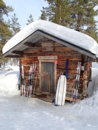 Ski tour in Lapland, sauna in Luirojärvi