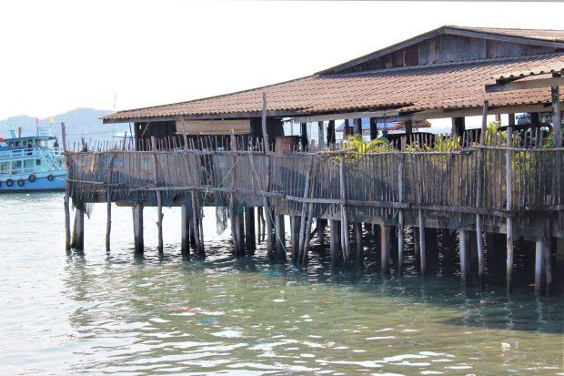 Ban Phe, Thai fishing village built on poles