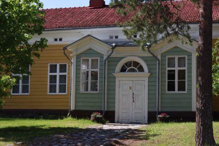 Main building of Pörtom Local History Museum