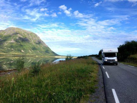 Motorhome drive through the Lofoten Islands: on the back roads