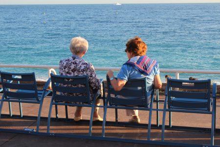 Ladies on Promenade des Anglais