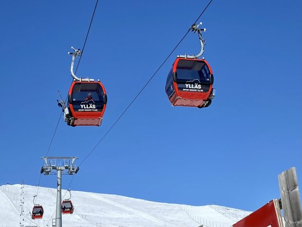 Arctic Lapland spring: taking a ski lift to the fell top
