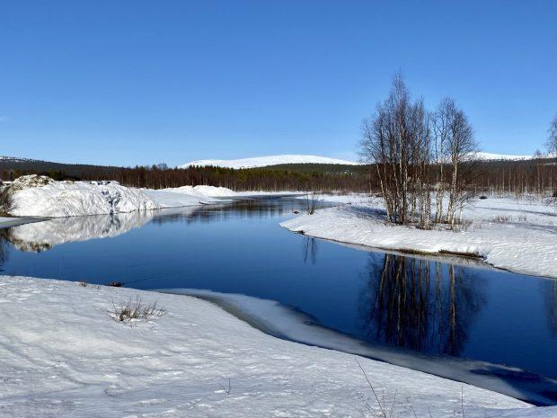 Arctic Lapland spring: the Äkäsjoki river