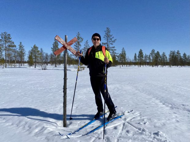 Arctic Lapland spring: skiing in the back country
