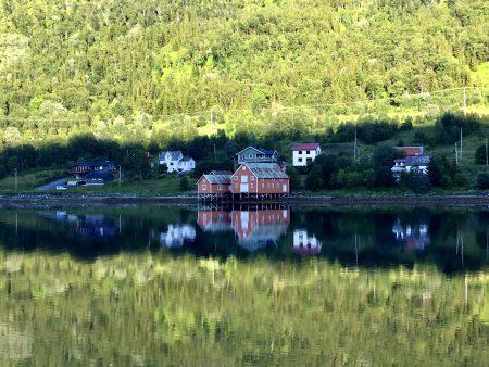 Norway by motorhome: Kvaloya fjordside village