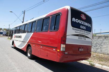 Ônibus M. Benz 2006 - 48 lugares - Busscar