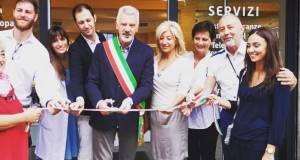 L'inaugurazione dela nuova farmacia comunale di via Franciacorta a Rovato, foto da pagina Facebook Comune di Rovato
