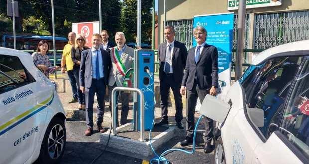 Auto elettrica, foto da pagina Facebook Comune di Rovato