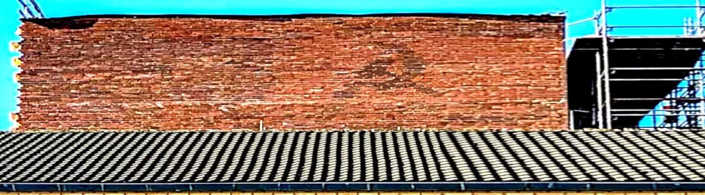Δανία: Απλήρωτοι οικοδόμοι έχτισαν σφυροδρέπανο σε τοίχο