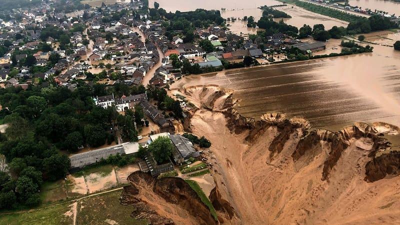 Γερμανία: Αυξάνονται οι νεκροί, εκατοντάδες αγνοούμενοι από τις καταστροφικές πλημμύρες