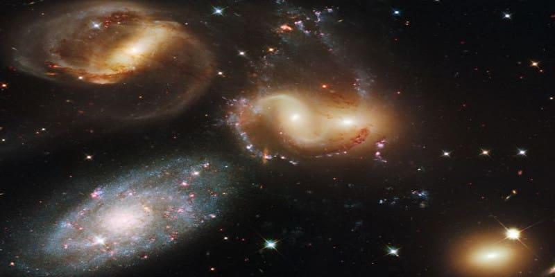 Διπλή κρίση στην κοσμολογία: Διαφωνίες επιστημόνων για το σύμπαν