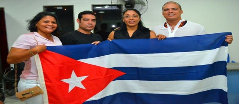 Διώχνει 11.000 Κουβανούς γιατρούς ο ακροδεξιός Μπολσονάρο