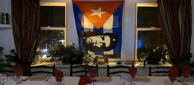 Εστιατόριο που είχε σημαία με τον Τσε απειλήθηκε με κλείσιμο