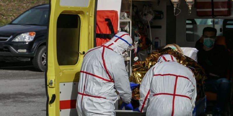 Η ΔΑΠ αρνήθηκε την οργανωμένη συμβολή φοιτητών ιατρικής στη μάχη κατά της επιδημίας