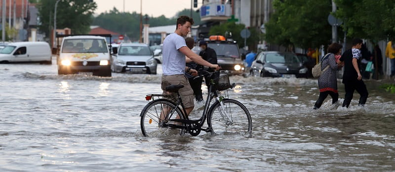 Η άγνοια και η βροχή κρατικής αδιαφορίας