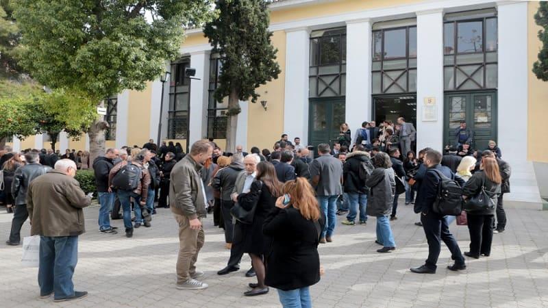 Η κυβέρνηση εξαιρεί από την αναστολή λειτουργίας των δικαστηρίων τις αγωγές κατά απεργιών
