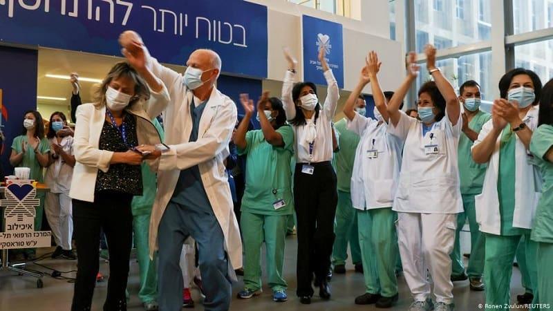 Η σκοτεινή πλευρά του «εμβολιαστικού θαύματος» του Ισραήλ
