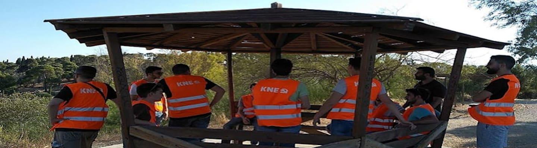 ΚΝΕ: Βάρδιες εθελοντικής πυροπροστασίας στο Πάρκο Τρίτση