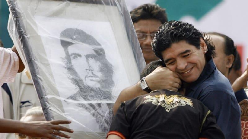 Και οι θεοί πεθαίνουν! Σοκ και θρήνος για τον θάνατο του Ντιέγκο Μαραντόνα