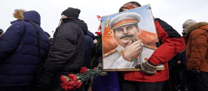 Μόλις το 13% των Ρώσων αντιπαθεί τον Στάλιν