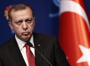 Προσφυγικό - Ψέμα 2ο: «Ο Ερντογάν προκαλεί γιατί βρίσκεται σε αδιέξοδο»