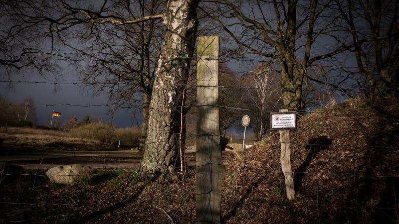 Νεοναζί σχεδίαζαν δολοφονίες πολιτικών και τη μεταφορά τους σε μαζικό τάφο με ασβέστη