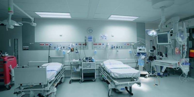 Νοσοκομειακοί γιατροί: Κυβερνητικός εμπαιγμός η εξαγγελία για προσλήψεις