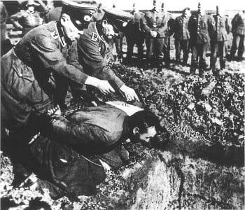 Ποιος εκτρέφει το τέρας του ναζισμού, κ. Παυλόπουλε;