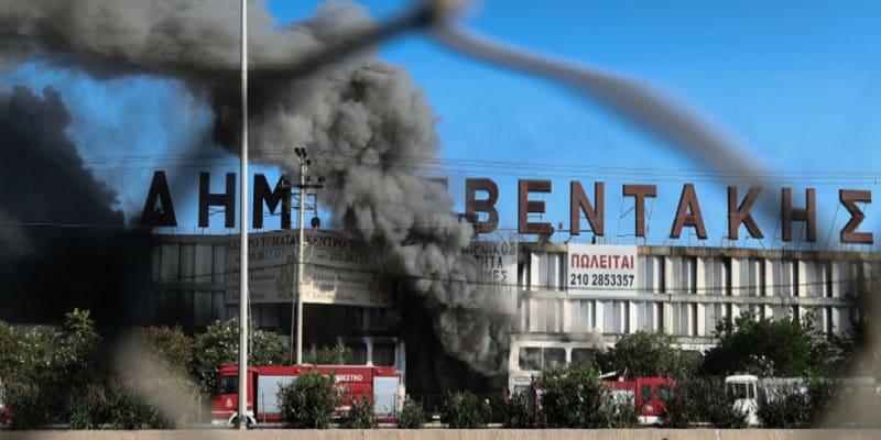 Πυρκαγιές σε εργοστάσια ανακύκλωσης: Μια παγκόσμια «πανδημία» που προκαλεί ερωτήματα